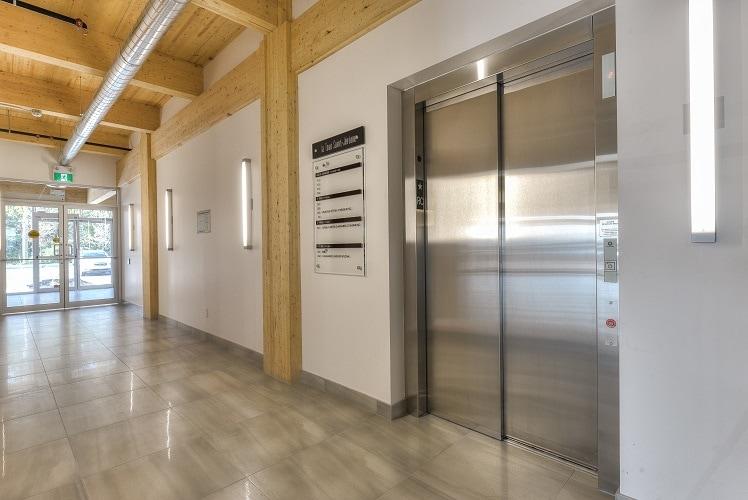 Tour à bureaux-Guimond Construction